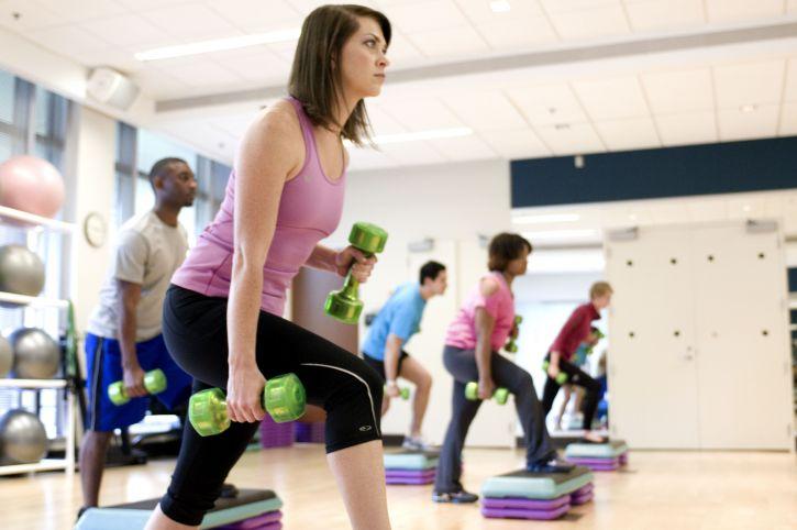 il livello di attività fisica di una persona influenza il rischio di infezioni del tratto respiratorio influenzando le funzioni del sistema immunitario.