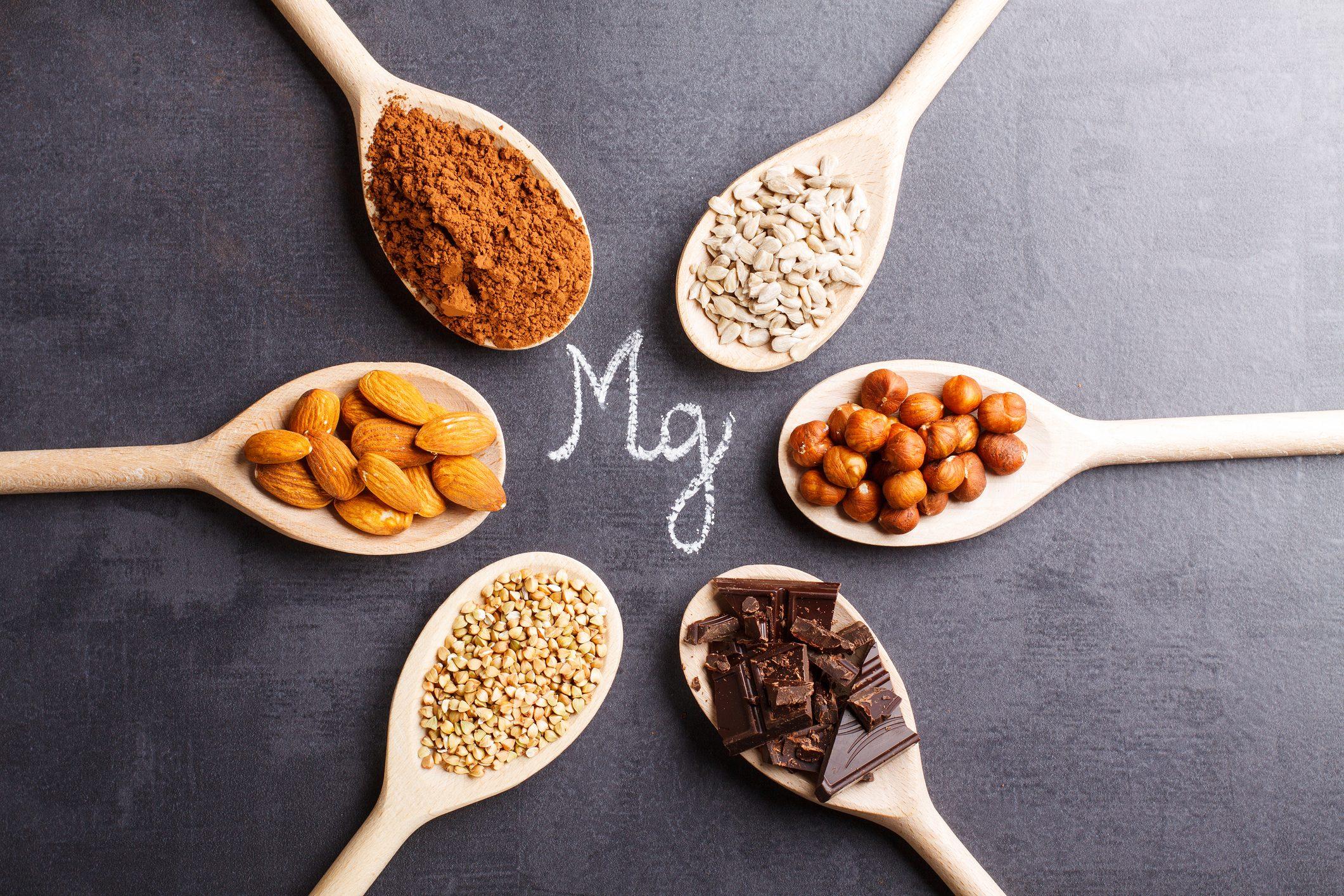 Il magnesio è un minerale vitale per il corretto funzionamento del corpo che però non è in grado di produrre, quindi devi ottenerlo dalla dieta.